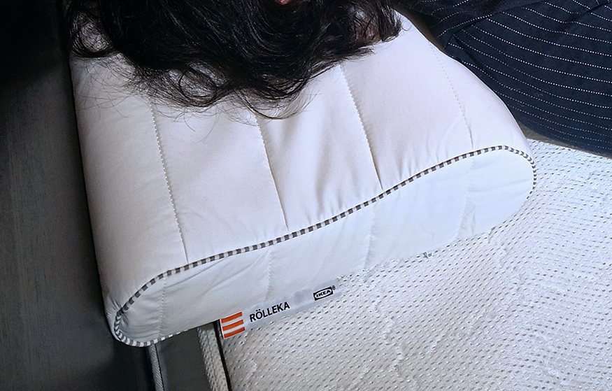 IKEAの枕RÖLLEKA ローレカ