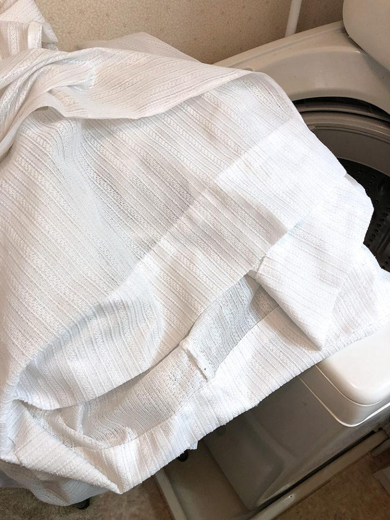 洗濯後のカーテン