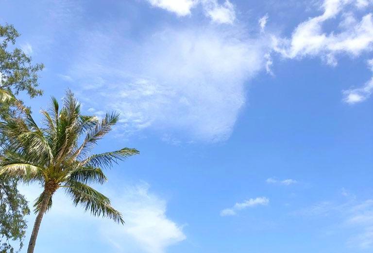 サムイの青い空
