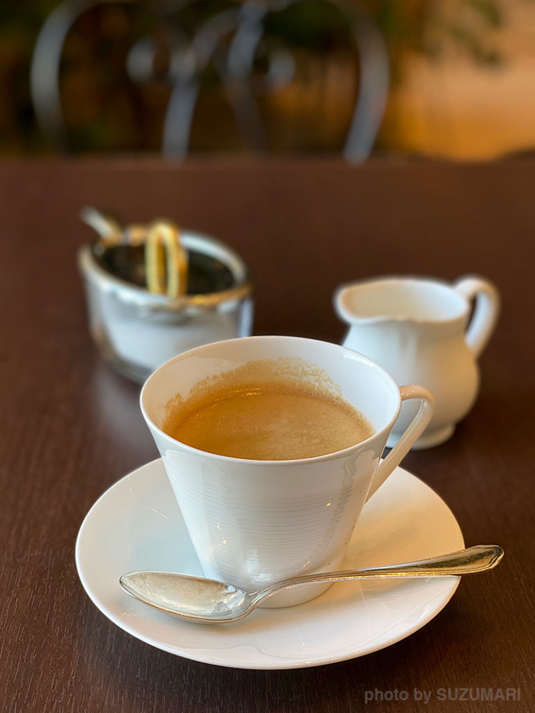 のんびりコーヒーを飲みながら東京の景色を堪能できます
