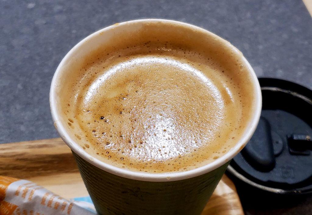 クレマ付きのコーヒー