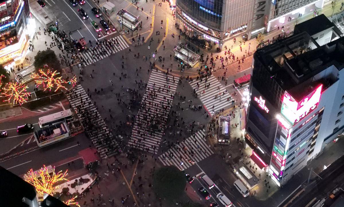 人がコナダニに見える渋谷スカイ