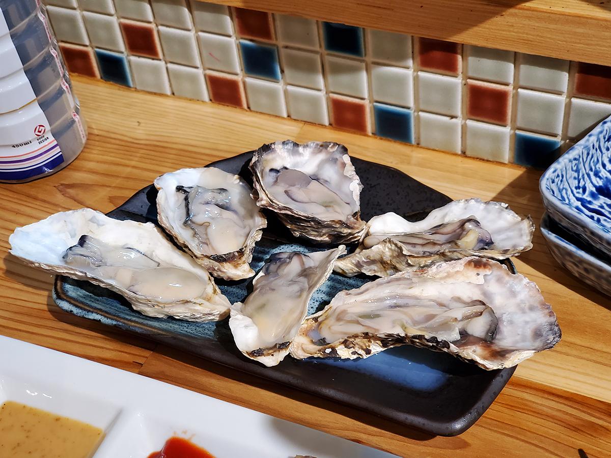 牡蠣が食べ放題の「牡蠣と魚」