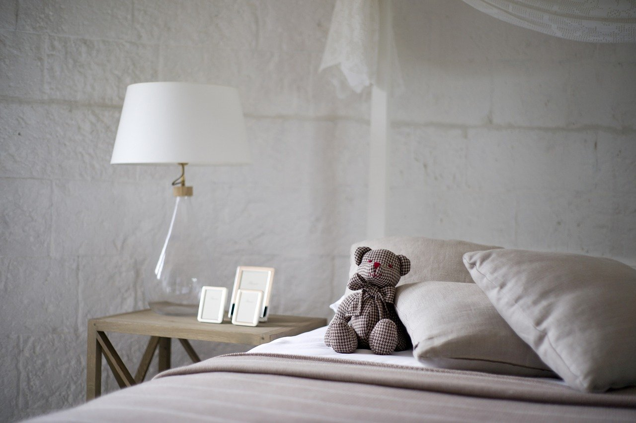 engin akyurtによるPixabayからのベッドの画像