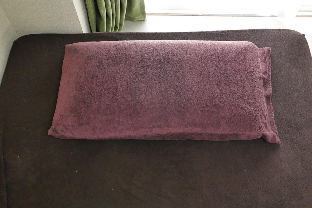 ショコラブラウンの枕カバー